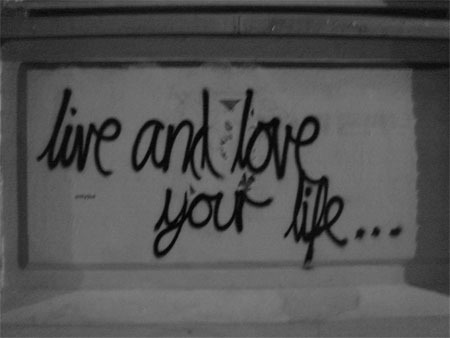 Live_and_love